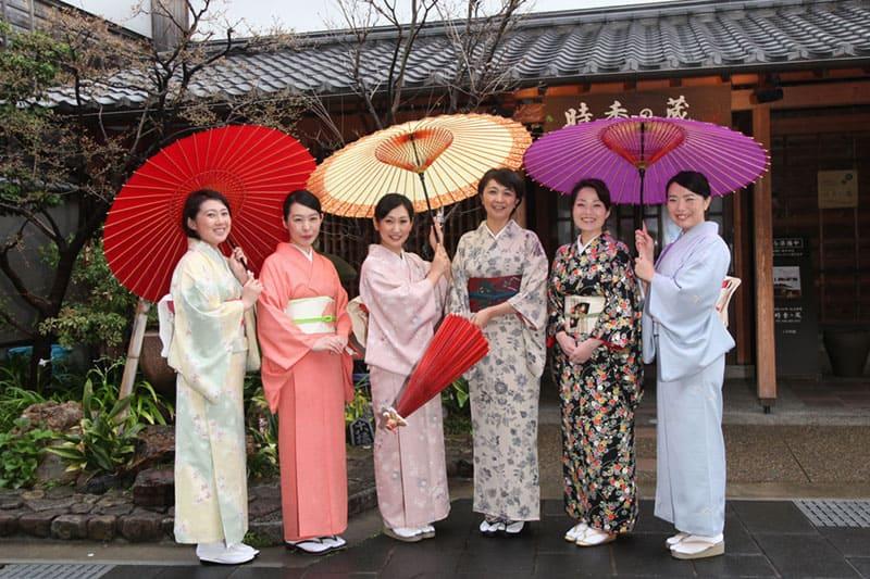 女性の視点でおもてなしを見つめる「長良川温泉 若女将会」