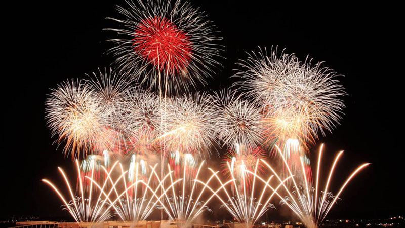 「土浦全国花火競技大会」でスターマインの日本一を望む