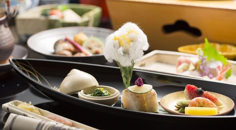 金沢の旬を盛り込んだ懐石料理
