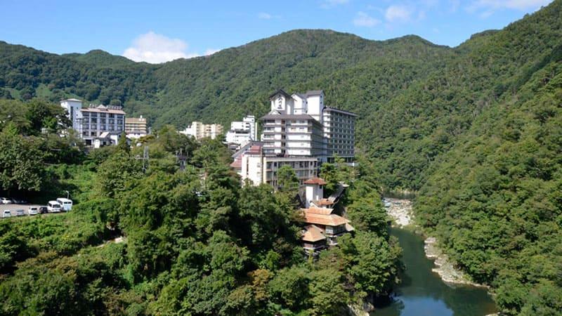 雄大な渓谷美に癒される会津の奥座敷「芦ノ牧温泉」