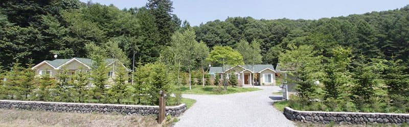 人気の軽井沢で優雅な別荘ライフを体験