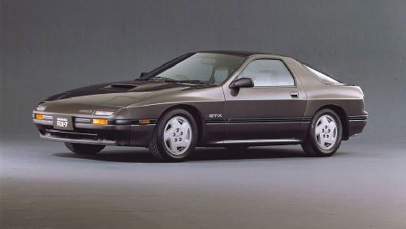 スポーツカー全盛期。夢中になったのは「マツダ RX-7」