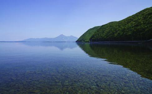 猪苗代湖(青松浜)