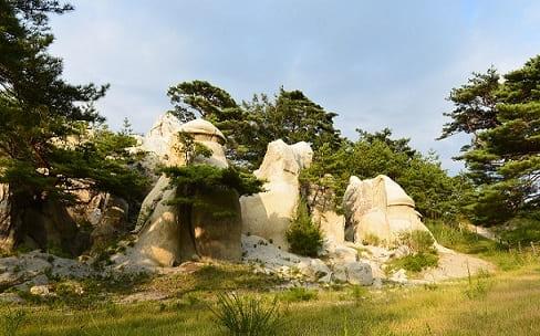 浄土松公園・きのこ岩
