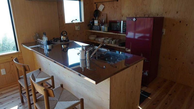 充実したキッチンは憩いの場所