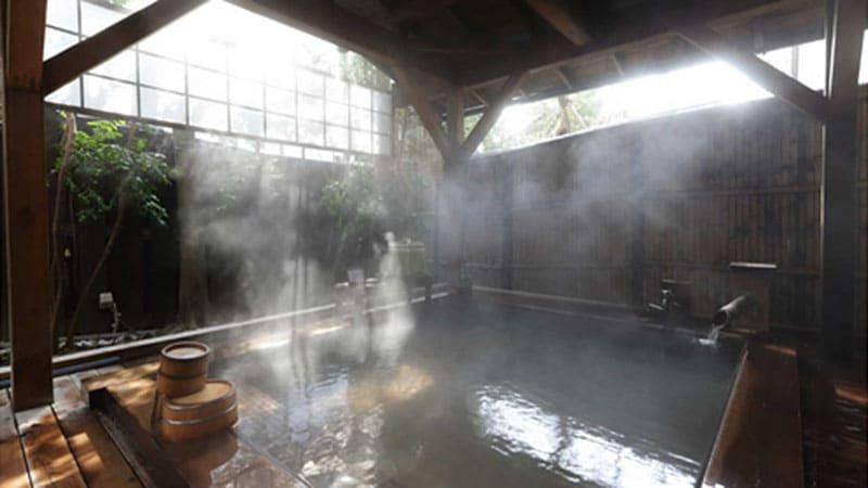 開湯1200年。優しいお湯で至福のひとときを