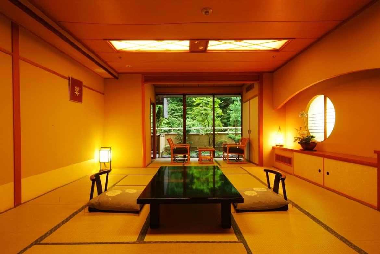 京都の四季を感じることのできる客室