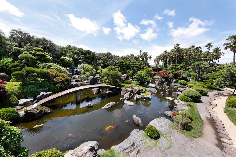 大島紬の着付けも体験できる「奄美の里」