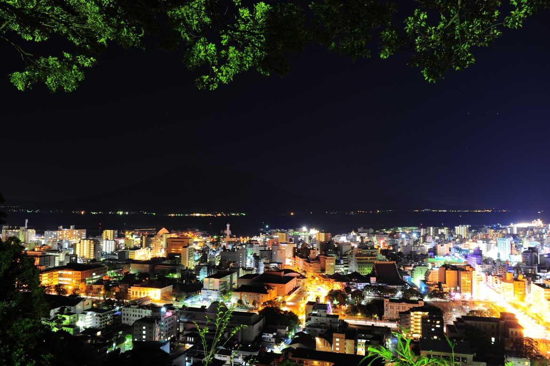 市内から桜島を眺めるならここ!「城山(城山展望台)」