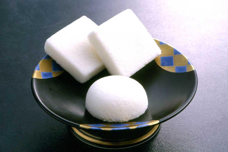 ふんわり甘い伝統和菓子「かるかん」