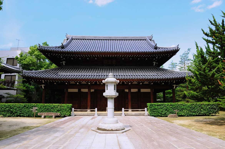 伝統文化の始まりに想いを馳せる「承天寺」