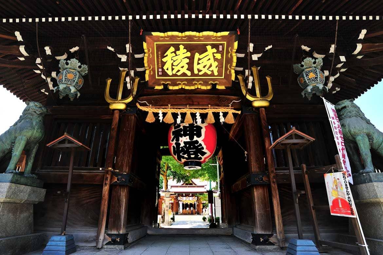 市民に親しまれる「櫛田神社」で、博多の四季を感じる