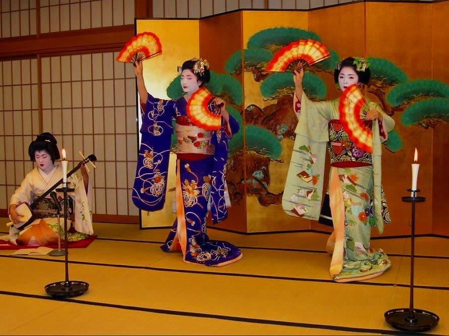 「京料理と舞妓の夕べ」でお座敷文化を気軽に