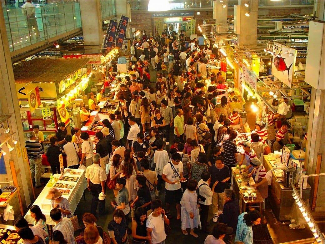 週末は寿司天国!「唐戸市場 活きいき馬関街」
