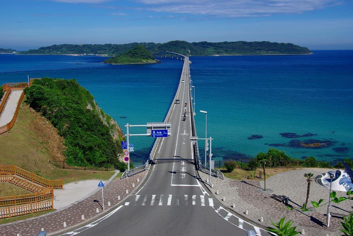 海の上を飛んでいるような気持ちよさ!「角島大橋」