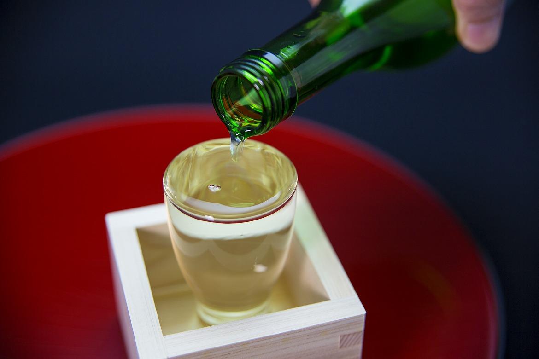 〆はキリッと冷えた一杯「金沢の地酒」