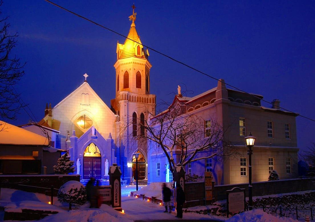 歴史的建造物のライトアップは一年中