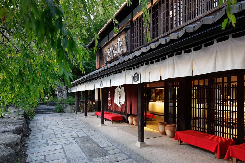 八幡宮のあとは、和菓子屋「たねや 日牟禮乃舎」でひと休み