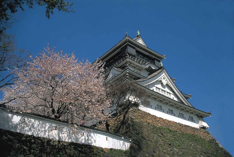 見応えたっぷり、小倉のシンボル「小倉城」