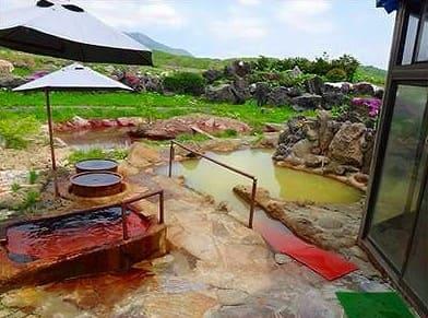 羊蹄山を眺める半混浴露天でのんびり「黄金温泉」