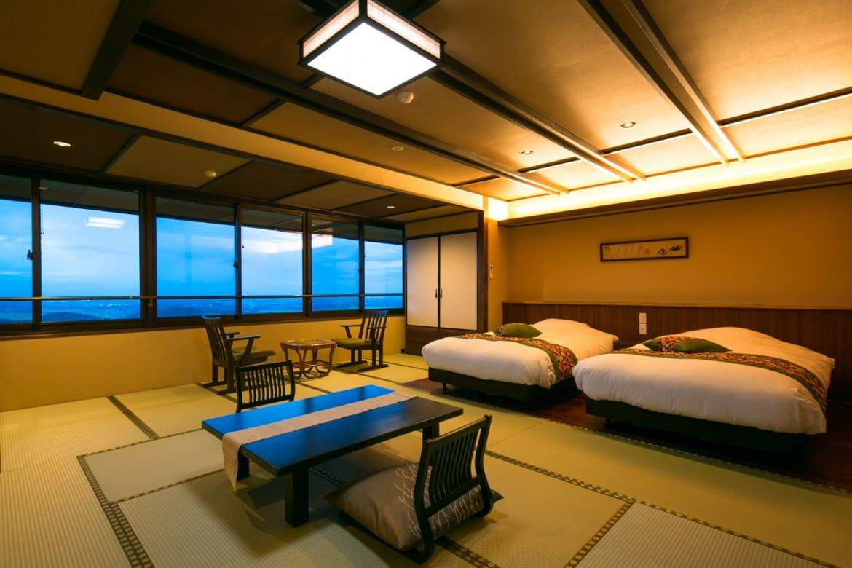 快晴ならスカイツリーも。関東平野を見晴らす最上階