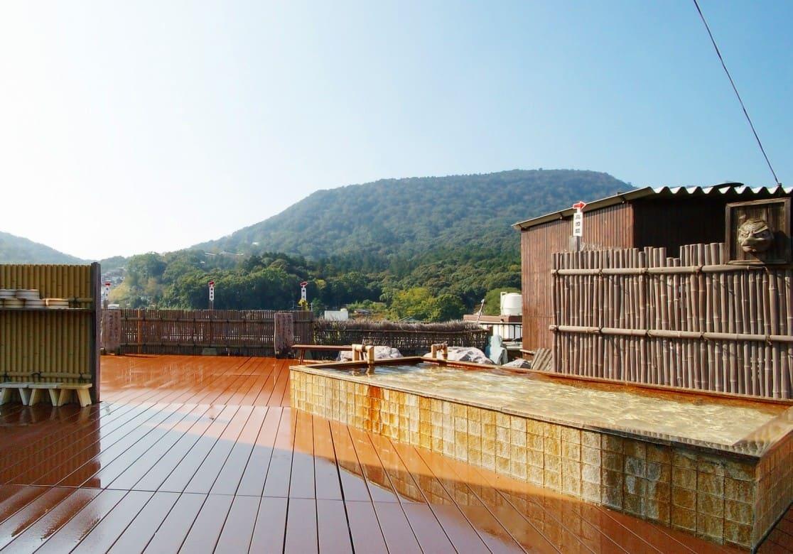 「混浴時間」が珍しい!360度見渡せる屋上の露天風呂