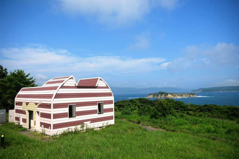 海風が心地よい「マンガアイランド」。ファンにはたまらないイラストも