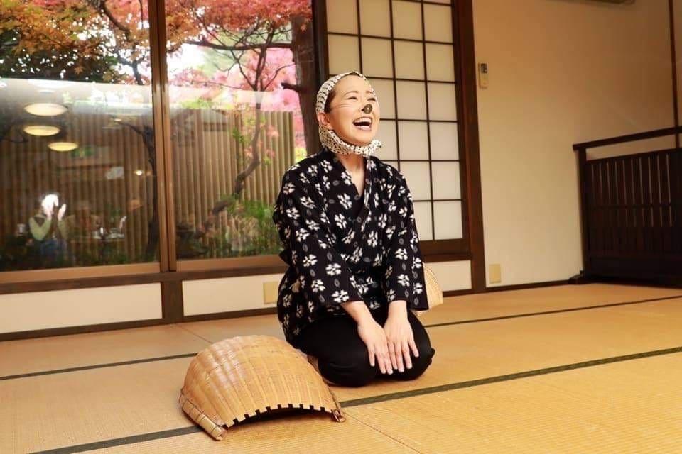 島根の伝統芸能「安来節どじょうすくい踊り」を目の前で