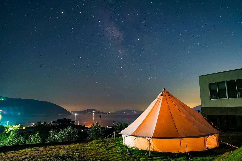 3組限定!海、山、オリーブ園…小豆島の雄大な自然に囲まれる「camp tiki-tiki 小豆島」
