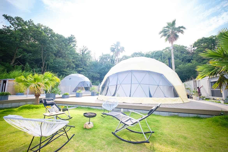 日常をリセットする直島のヒーリングリゾート「SANA MANE GLAMP DOMS」