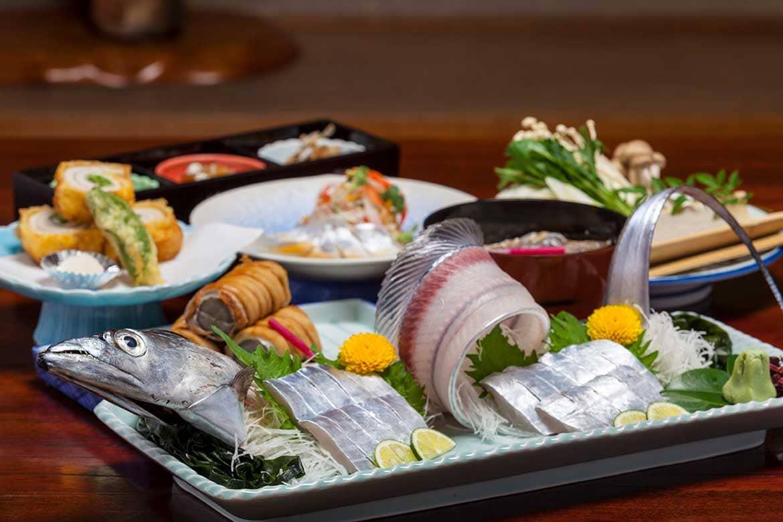 名物の「太刀魚(たちうお)」料理に舌鼓