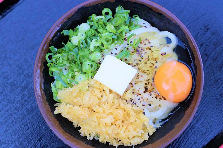 絶品釜バターなどオリジナル麺も豊富!讃岐うどんの名店「手打十段 うどんバカ一代」