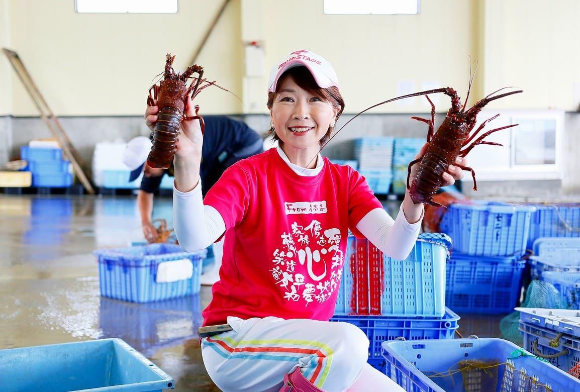 答志島で唯一の女性仲買人。目利きした新鮮な魚でおもてなし
