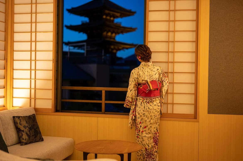 密を避けながらお部屋でゆっくり夕食を楽しむ町家ステイ「CAMPTON KIYOMIZU」