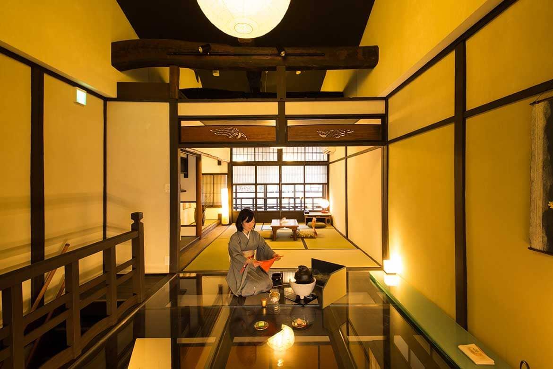 二条城のすぐそばにある和紙の温もりが心地よい築90年の町家「季楽 京都 姉小路」