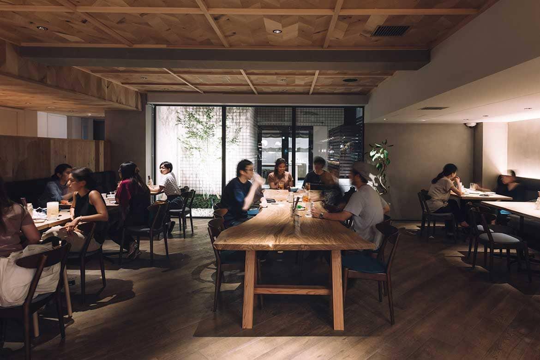 オフィスビルをリノベーションしたコンテンポラリーデザインホテル「RAKURO 京都 by THE SHARE HOTELS」