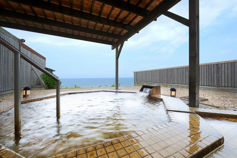 30万年前の海水が湧き出した貴重な湯「化石海水温泉」