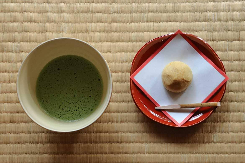 江戸時代に想いをはせて、城内でひと休み「茶室・紅松庵」