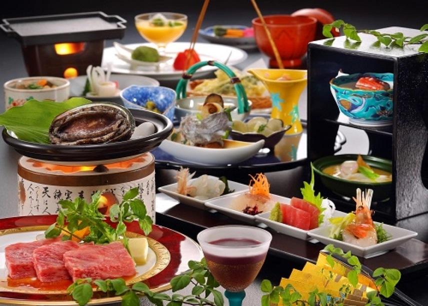 あわびに仙台牛、庭園でとれるタケノコや山菜にも心躍る!