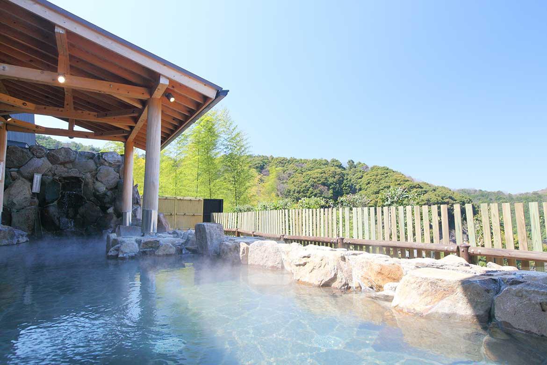 締めは温泉!露天風呂が自慢の「かなや明恵峡温泉」