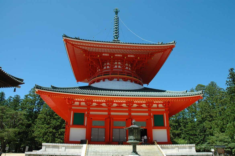 高野山のシンボル「根本大塔」で、曼荼羅の世界を体感