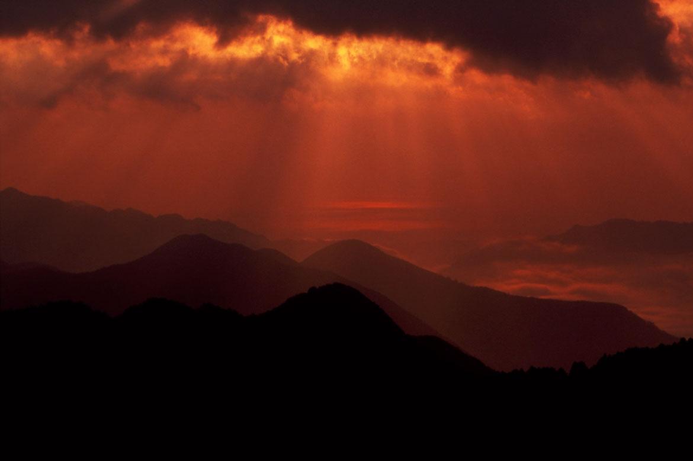 大パノラマの絶景スポット「玉置山展望台」