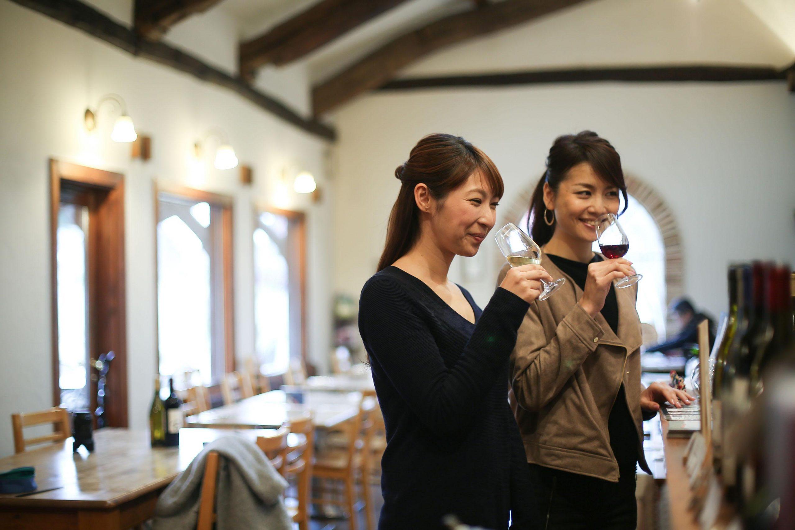 国産ワインの醸造所「カーブドッチ ワイナリー」