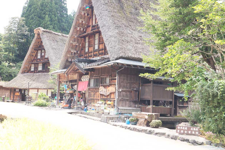 富山が誇る世界遺産の「合掌造り集落」でのんびり過ごそう