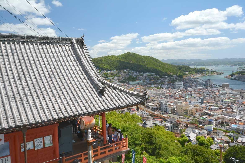 806年の建立より尾道を見つめ守り続けているシンボル「千光寺」(尾道市内)