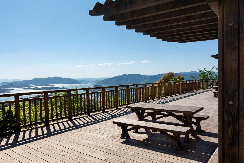 瀬戸内海の島々を一望できる展望台は必見!「国立公園高見山」(向島)